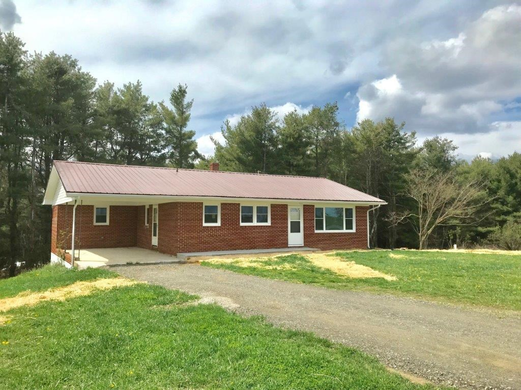 Remodeled Brick Ranch in Dugspur VA