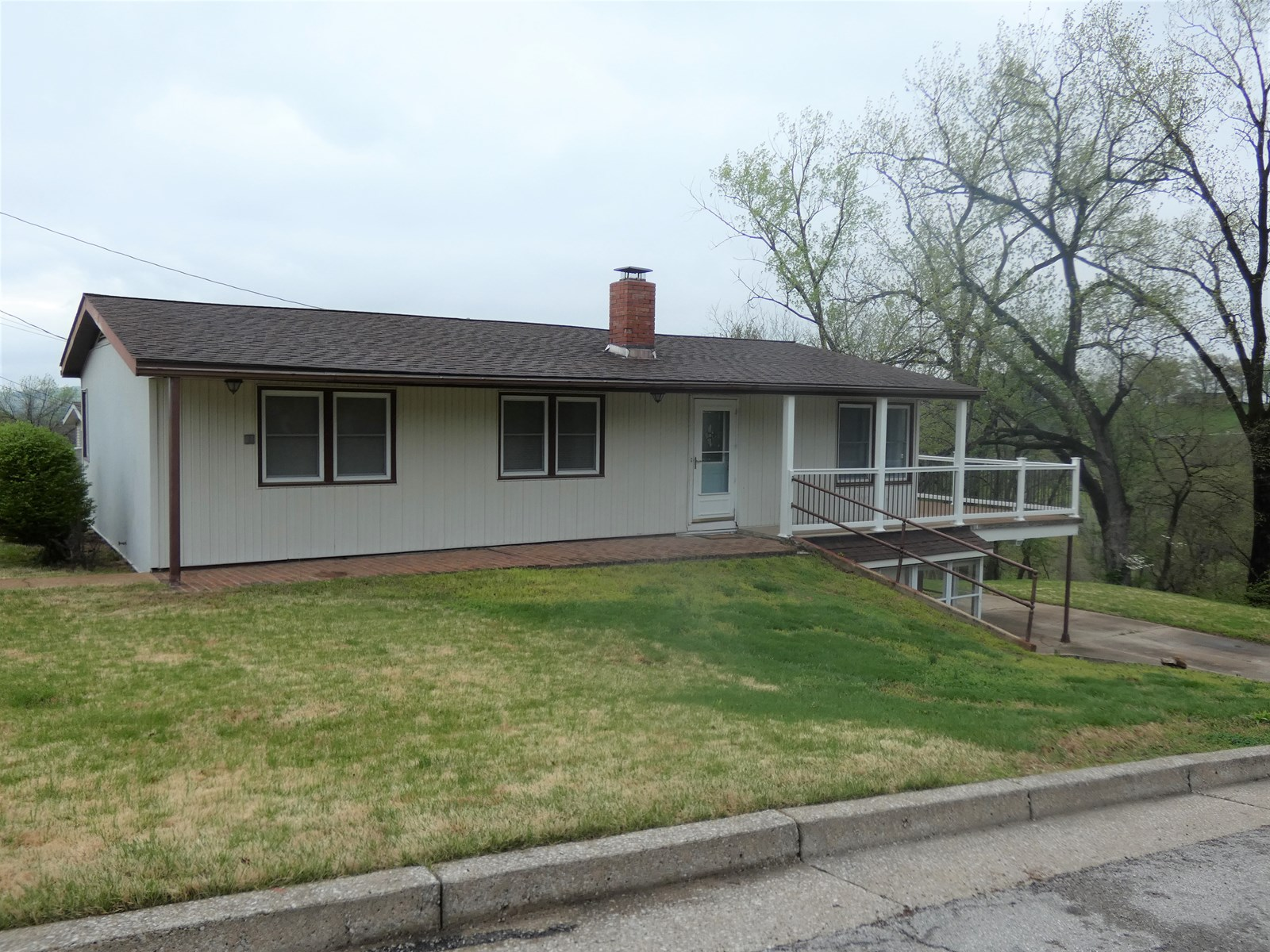 Updated Home with a View For Sale in Hermann, Missouri