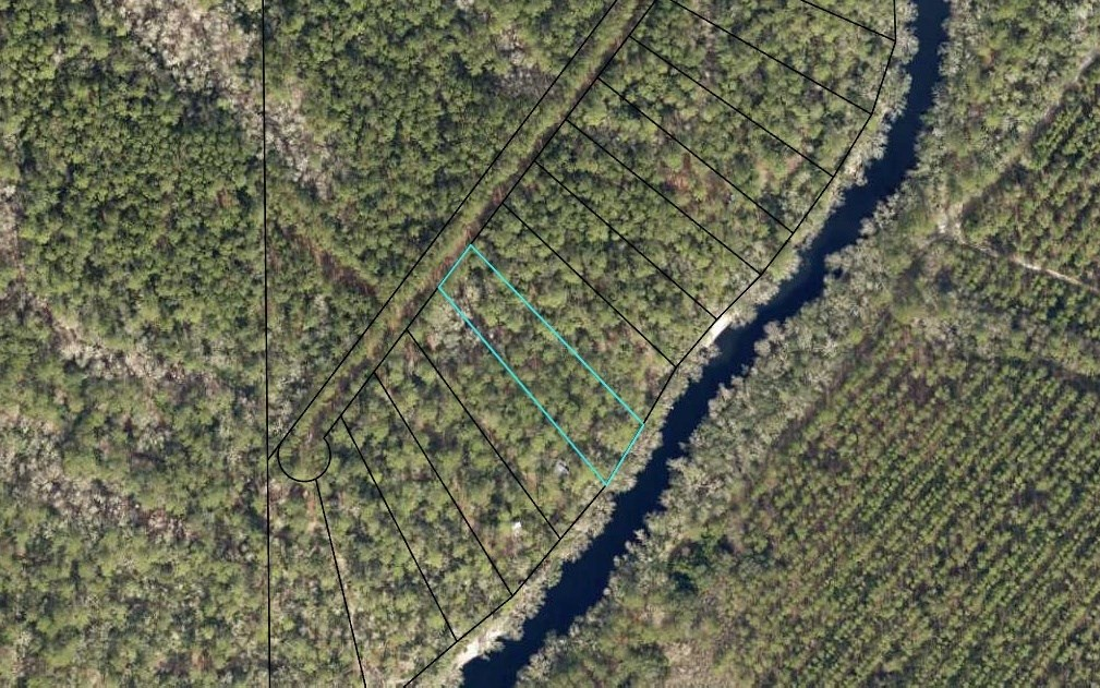 Residential Lot in Suwannee River Oaks