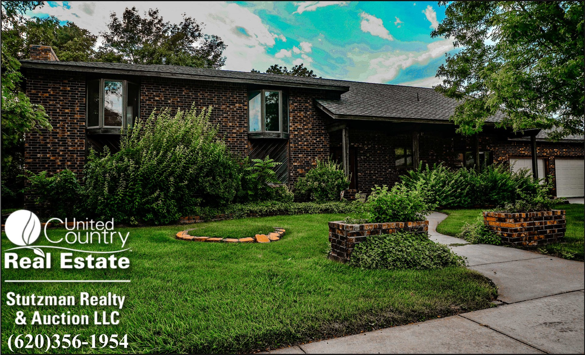 WELL MAINTAINED AND SPACIOUS HOME FOR SALE IN ULYSSES, KS