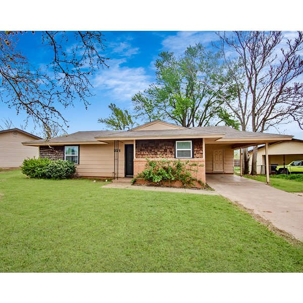 ELK CITY HOME FOR SALE WITH 3 BEDROOMS