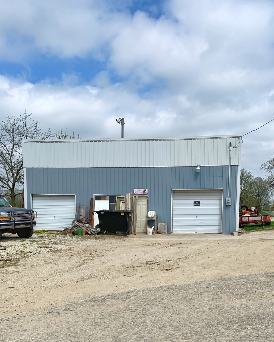 Commercial Building with Highway Frontage in Southern Iowa