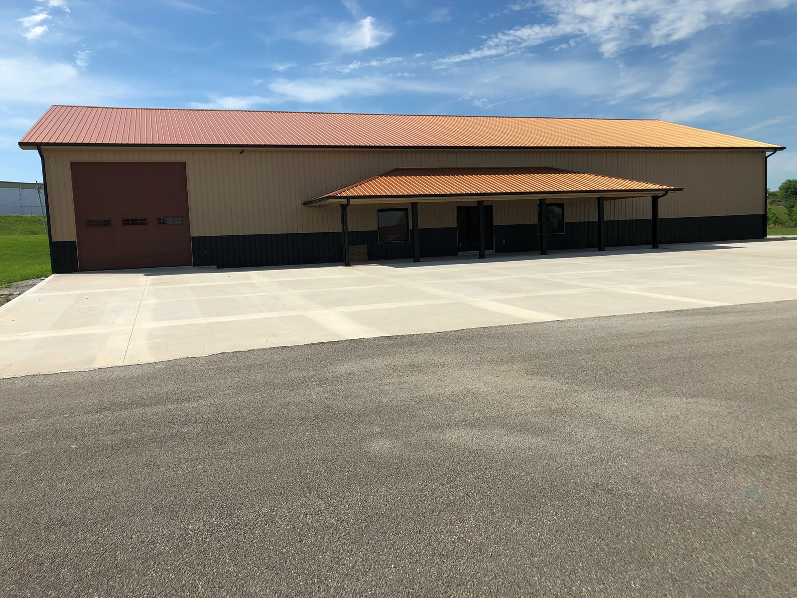 Commercial Building for Sale in Albany, Kentucky