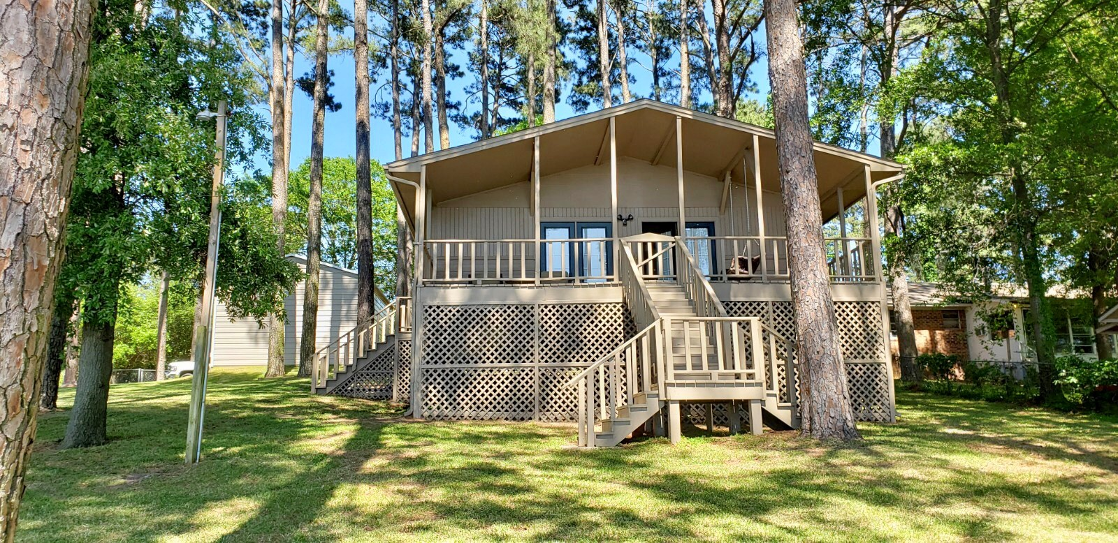 WATERFRONT VACATION HOME FOR SALE LAKE PALESTINE EAST TX