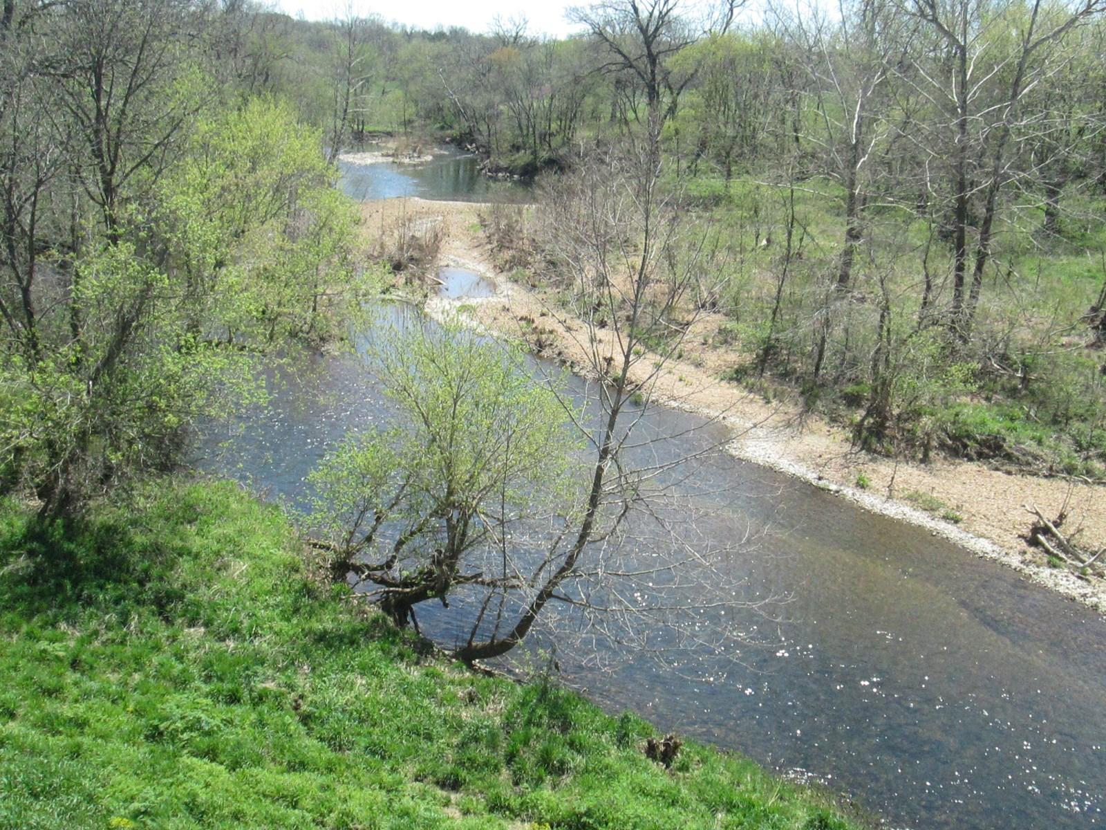 Riverfront Parcel for Sale in Southern Missouri Ozarks