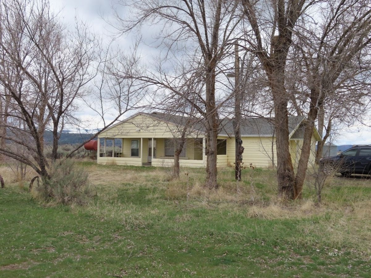 Fixer Upper Country Home with 15 acres in Canby Calif.