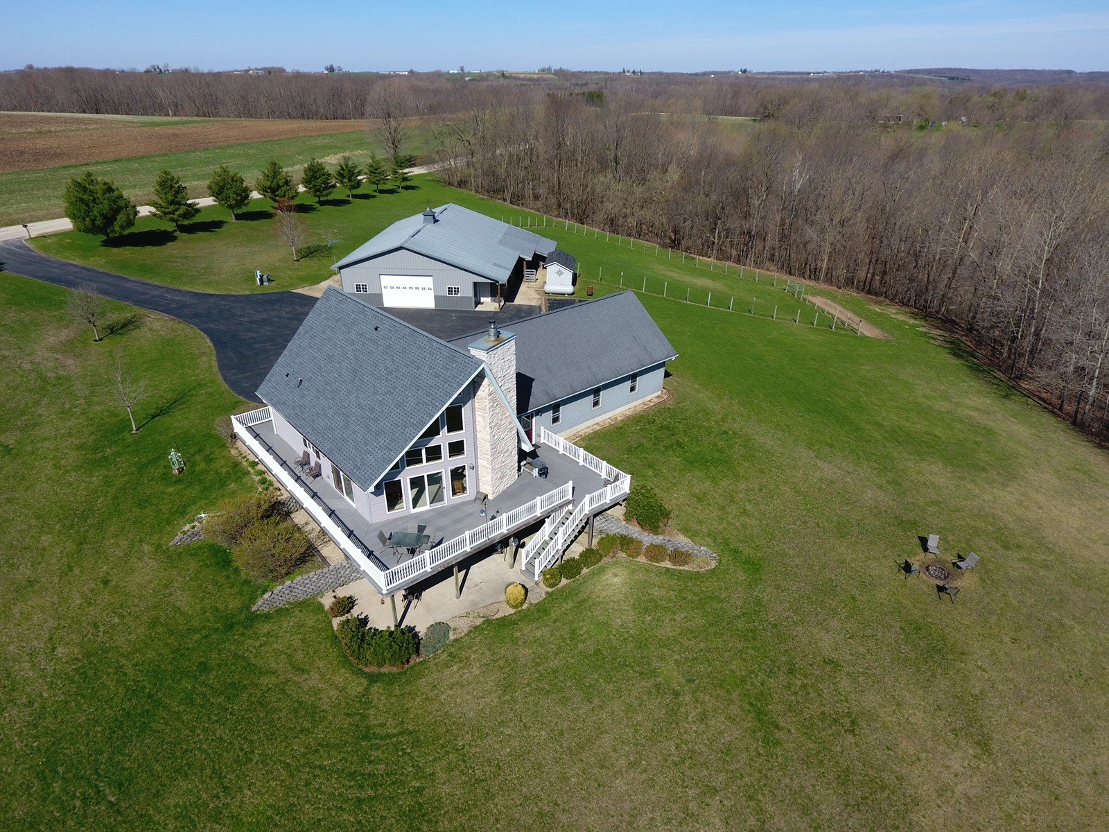 >>JUST SOLD!<< Country Home For Sale on 45.15 Acres