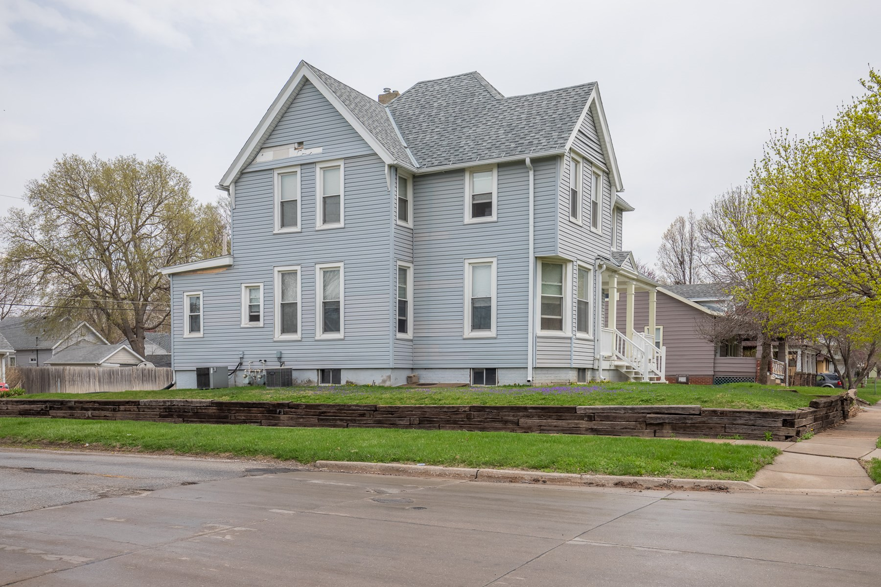 Duplex for Sale in Council Bluffs, Iowa