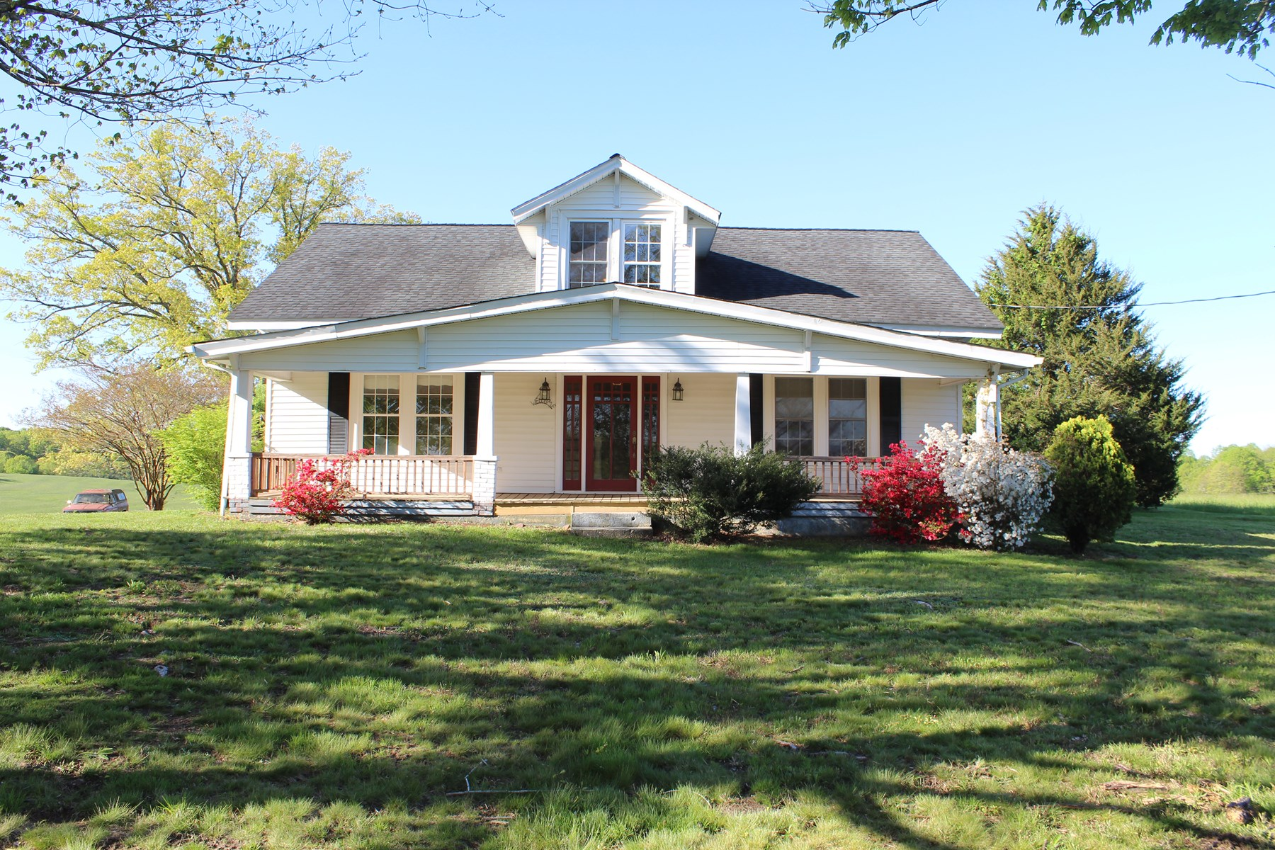 TWO STORY HOME FOR SELL IN PATRICK COUNTY, VA