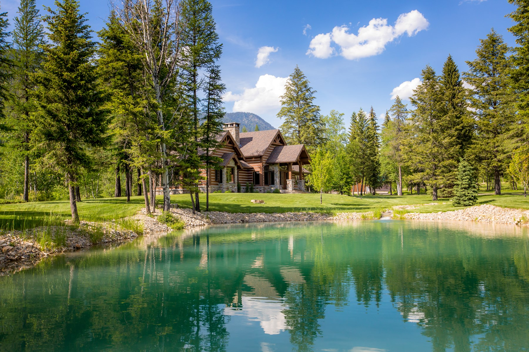 Luxury Home & Log Cabin Northwest Montana For Sale