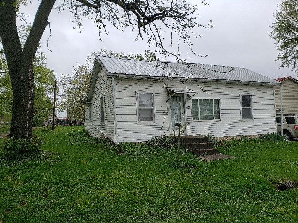 Great Income Potential or Starter Home
