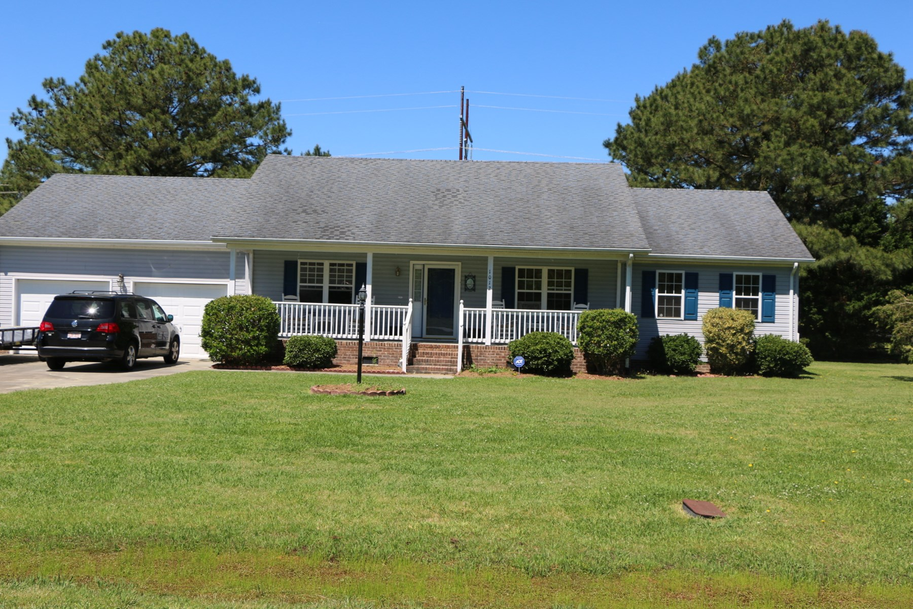Income Generating Country Home in Elizabeth City!