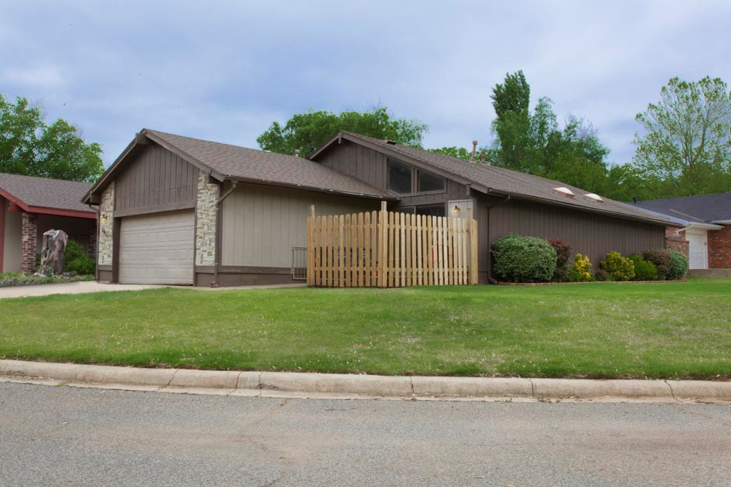 House for sale, Clinton, OK Custer County, 3 bed 2 bath