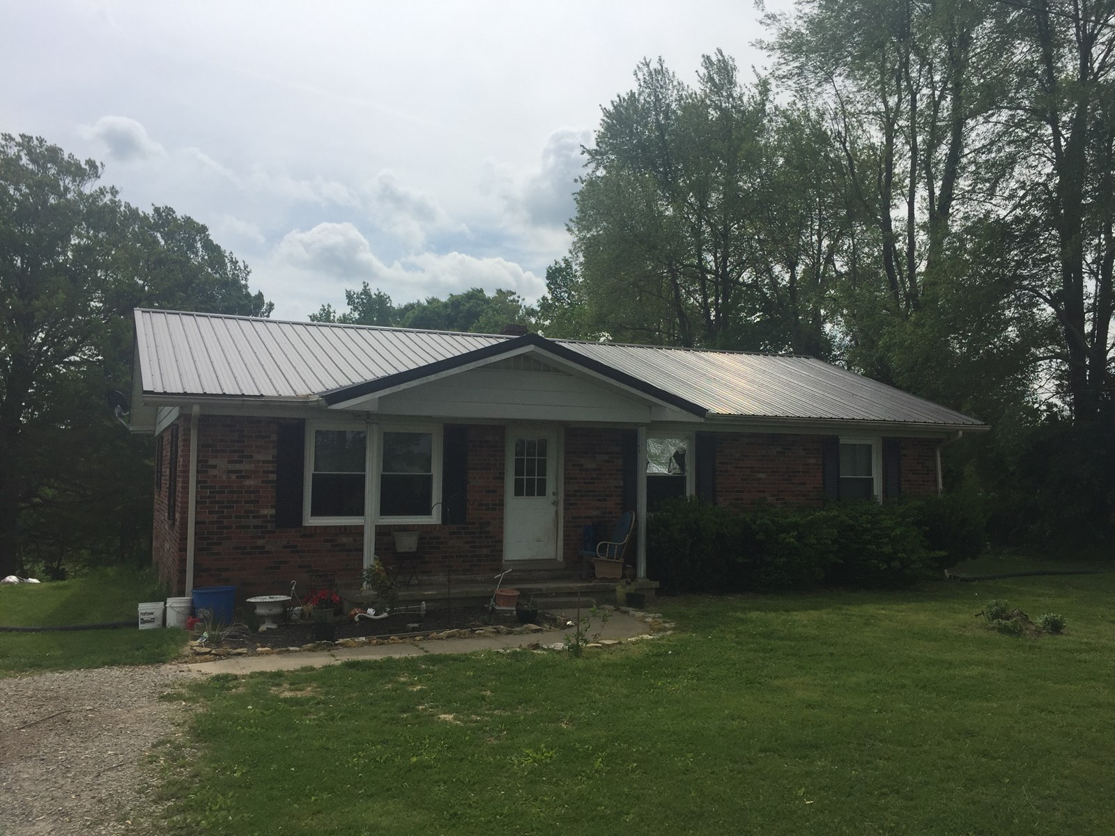 3 BED 2 BATH BRICK HOME W/BASEMENT - CASEY COUNTY KENTUCKY