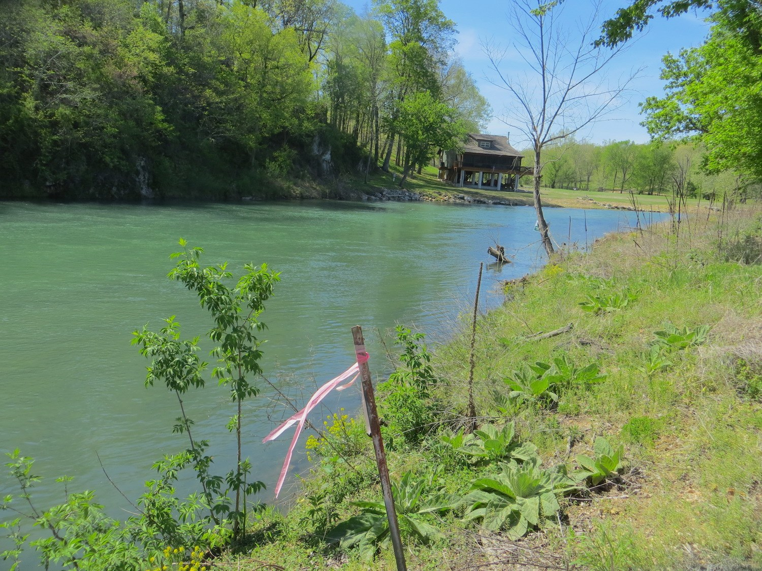 River Front Property For Sale in Mammoth Spring, AR