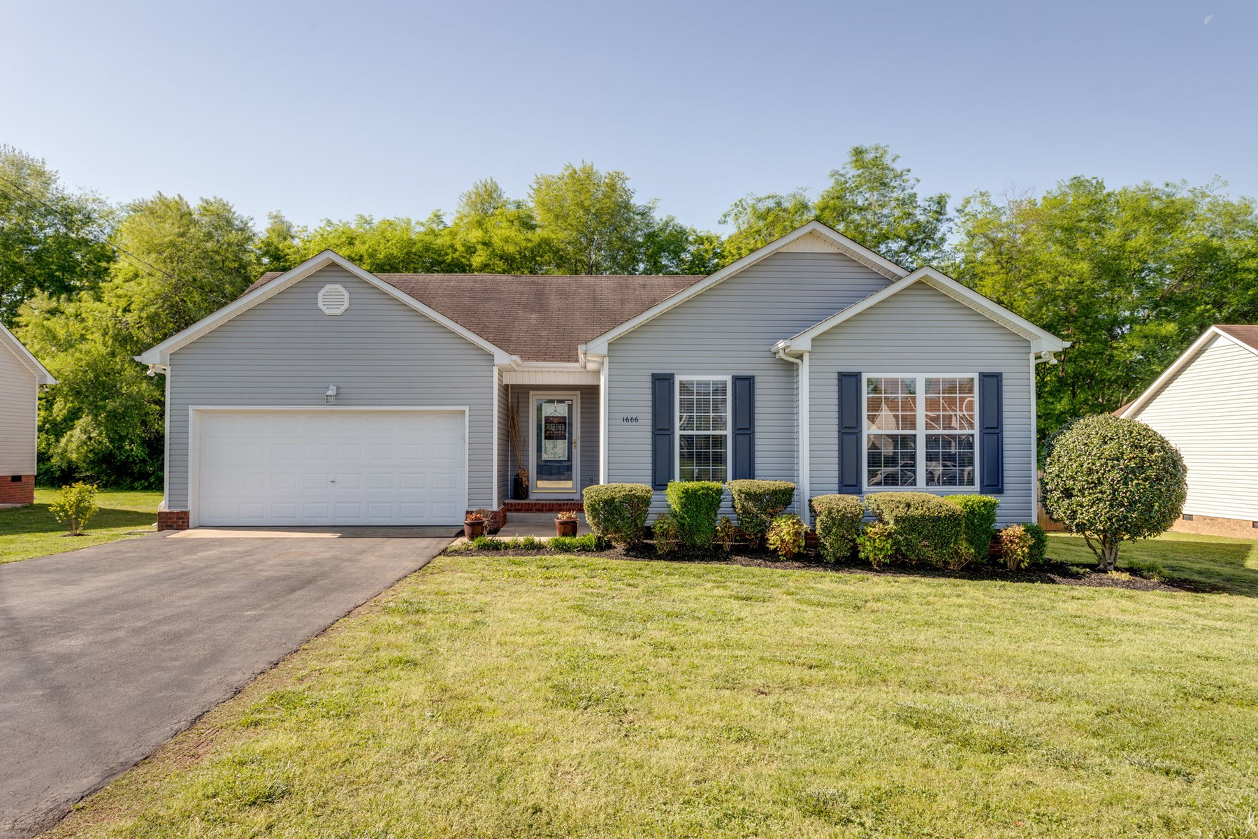 Adorable Ranch 3 Bdrm/2 Bath, in Maury County Tennessee