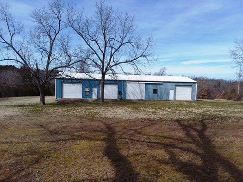 Commercial shop with 14.86 ac in Izard County Arkansas
