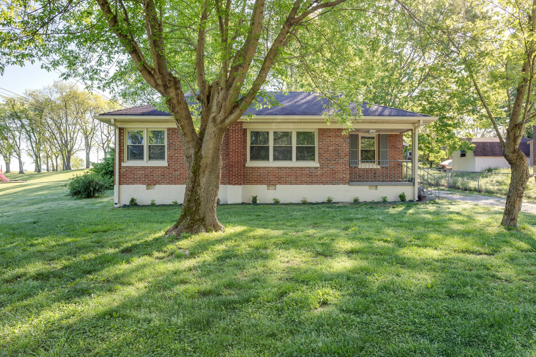 Curb appeal on this cute cottage, in Maury County Tennessee