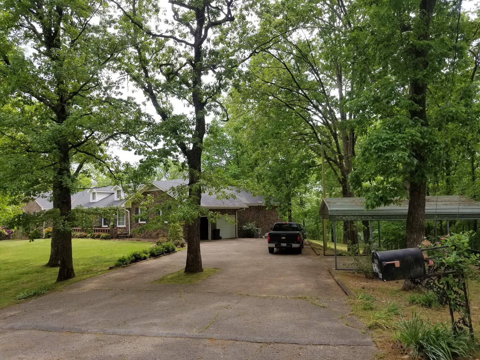 Tennessee 5 Bedroom Home For Sale on 9 Acres