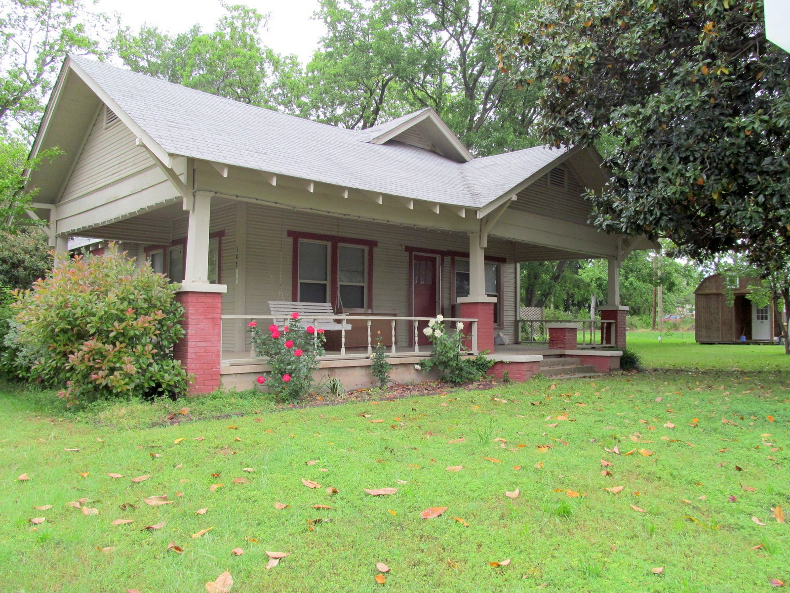 MOVE IN READY 1930 COTTAGE STYLE HOME IN WINNSBORO TEXAS