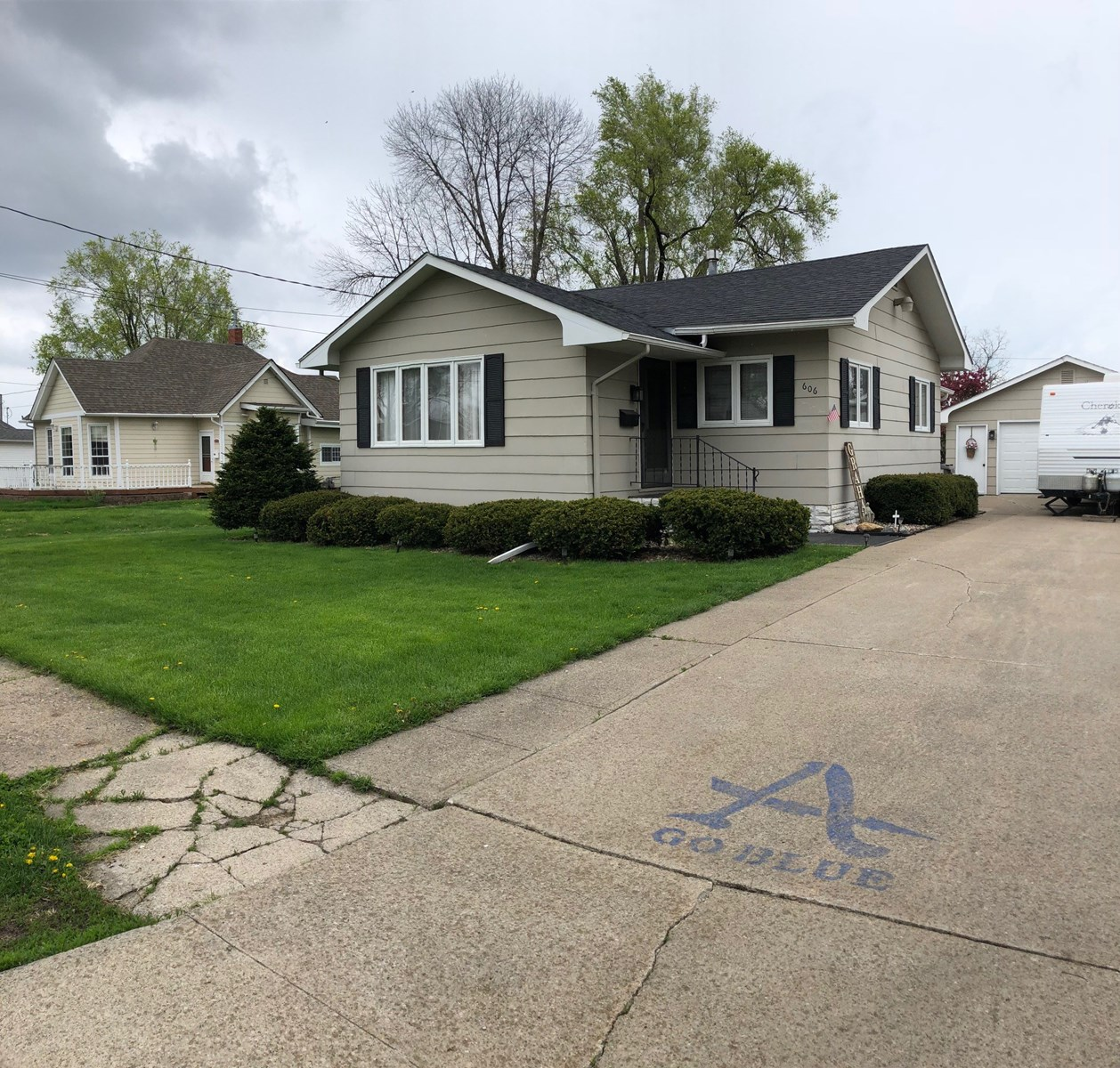 Home for Sale, Albia, IA