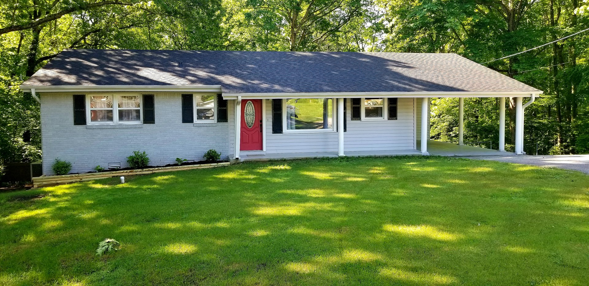Charming Home For Sale in Lexington TN