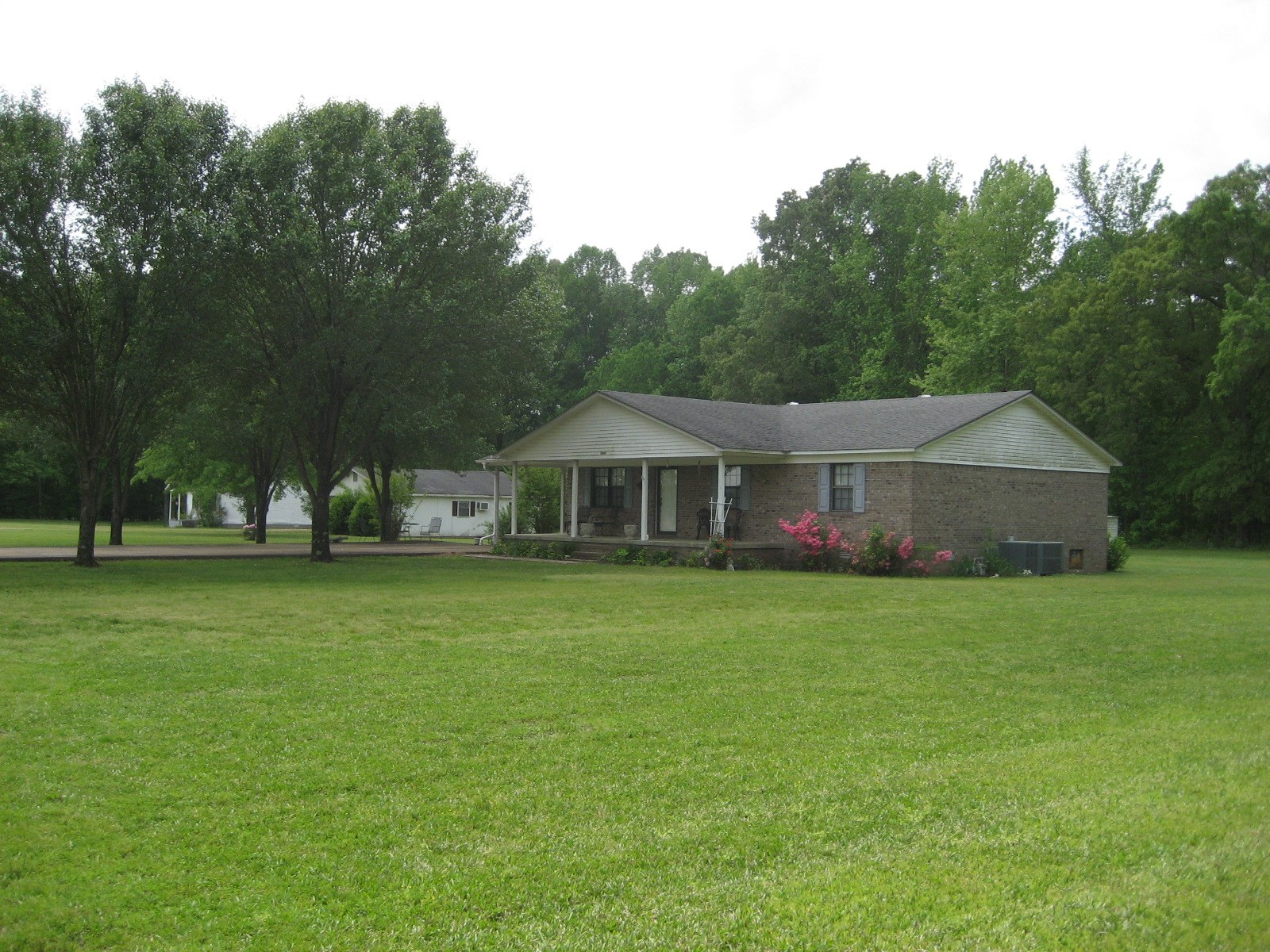 HOME FOR SALE IN ADAMSVILLE TN W/ 2 OTHER HOMES ON PROPERTY