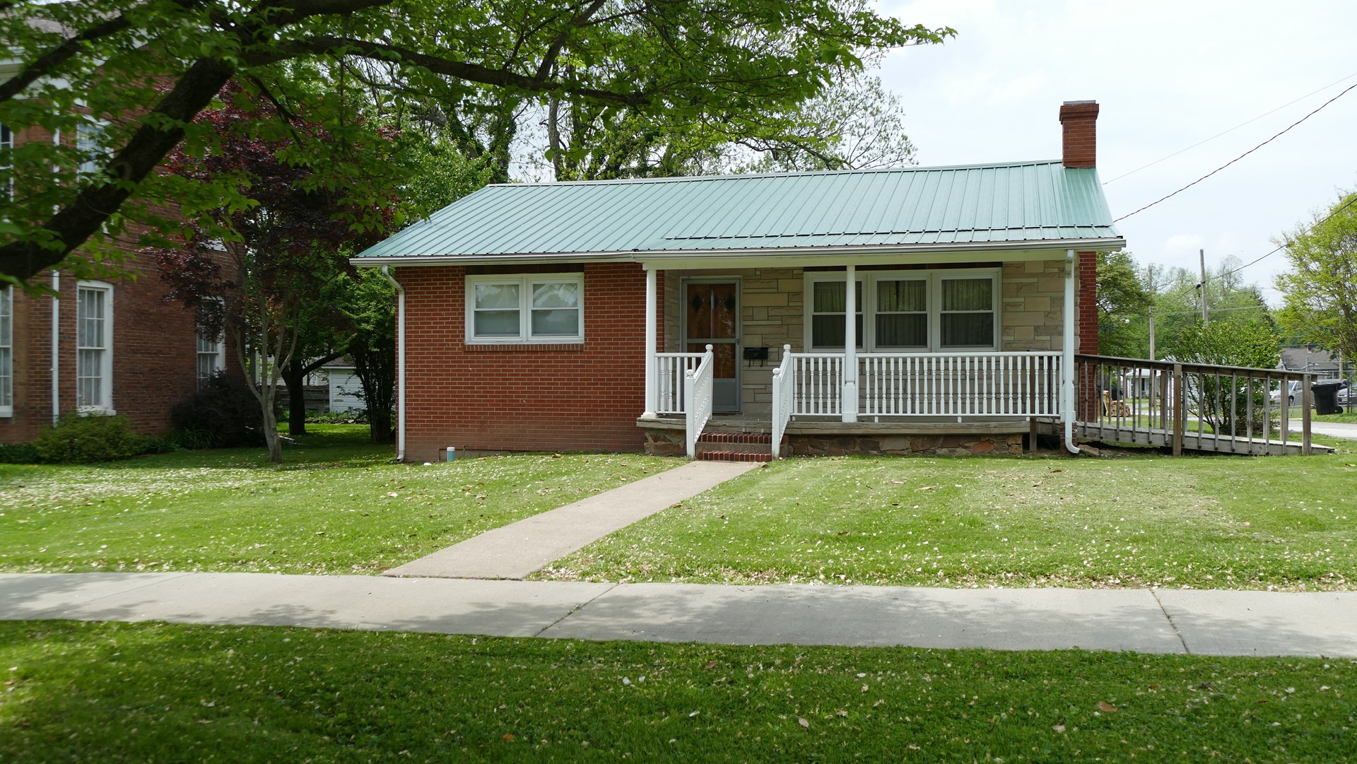 Brick Home For Sale - Metropolis, IL