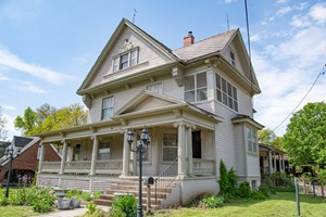 HISTORIC VICTORIAN HOME IN HERMANN, MO