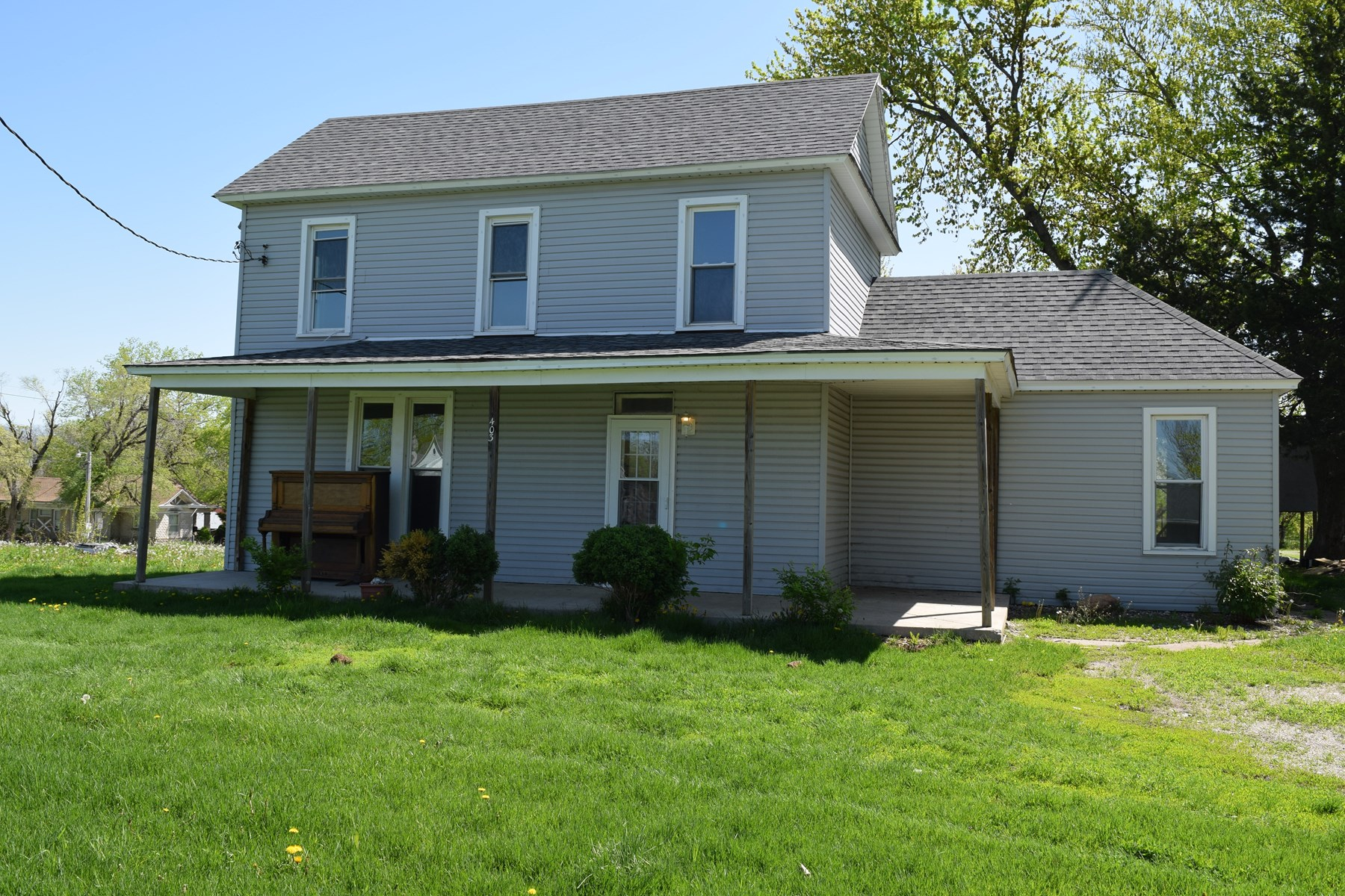 Great family home with large yard for sale in Lancaster, MO
