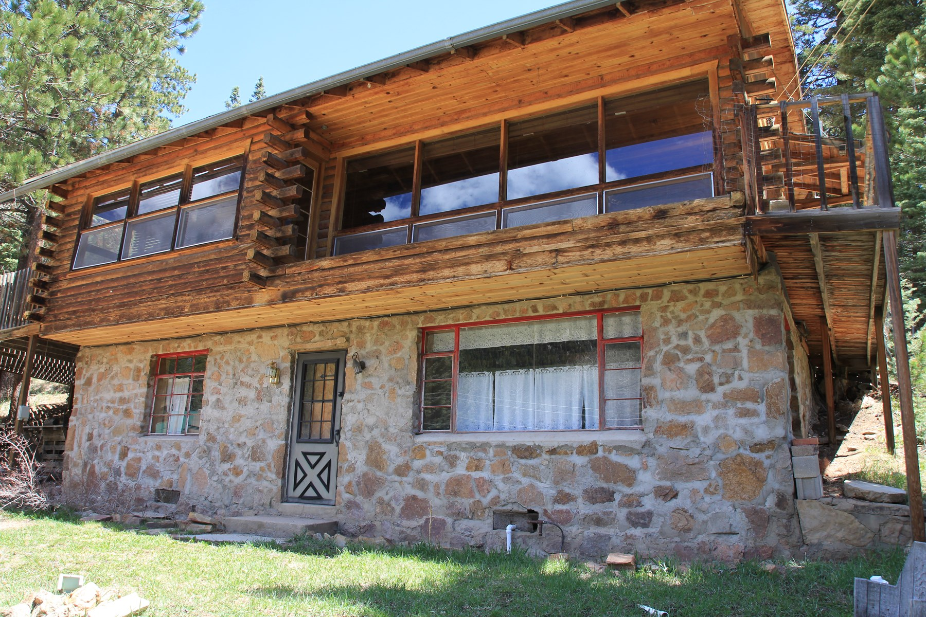 2 Bedroom 2 BathF Fixer Upper  Near San Isabel Lake