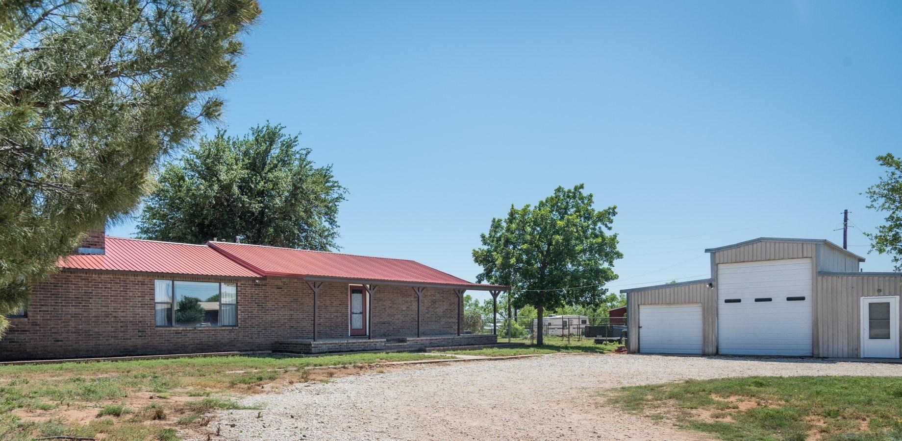 COUNTRY HOME FOR SALE IN BIG SPRING