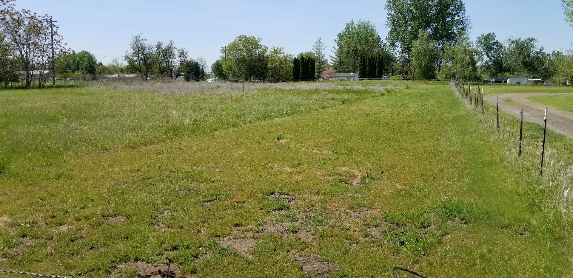 Prime location 1 Acre Lot close to Walla Walla University