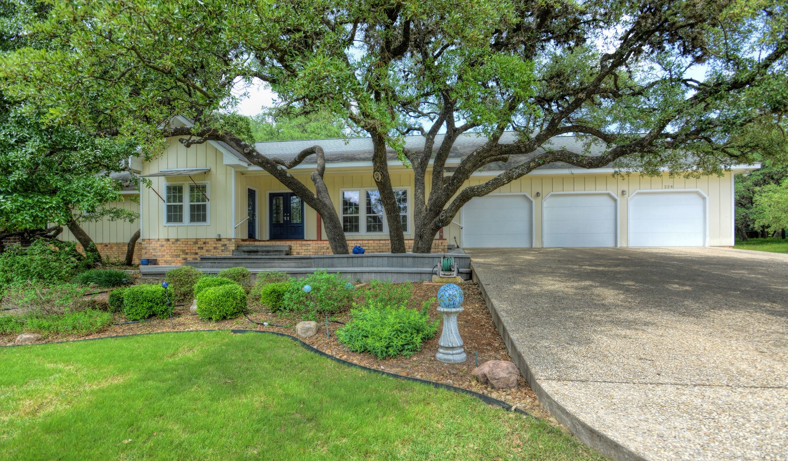 Boerne, Texas Hill Country Home For Sale
