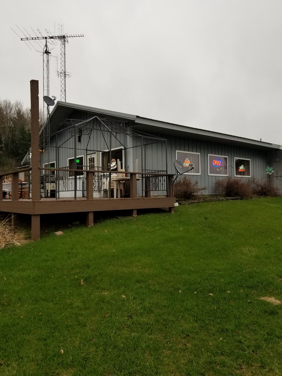 Waupaca County Wisconsin Country Bar/Restaurant for Sale