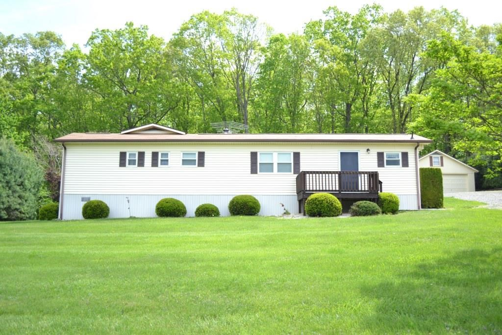 Single level home with large garage near Hillsville, VA