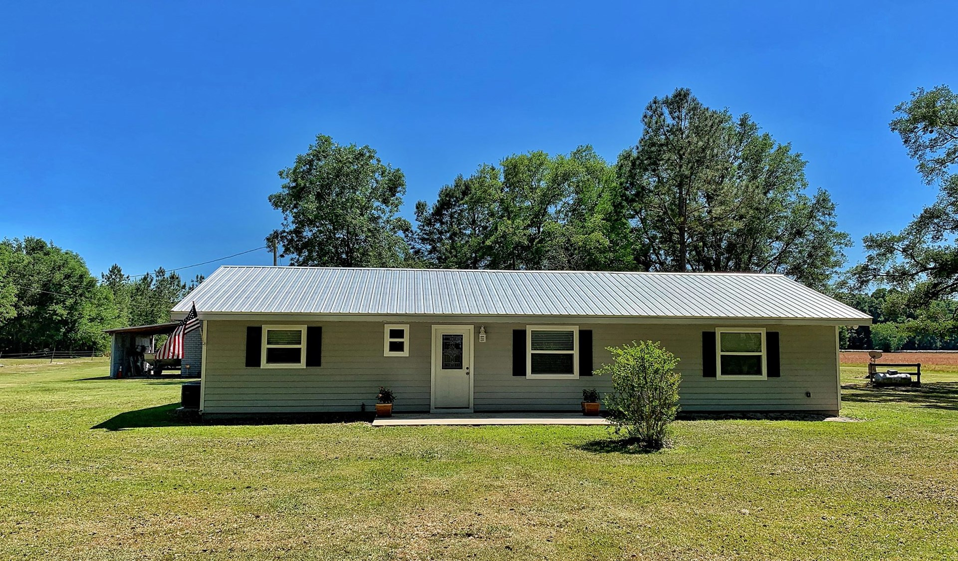 COUNTRY HOME ON 10 ACRES - TRENTON FLORIDA LEVY COUNTY