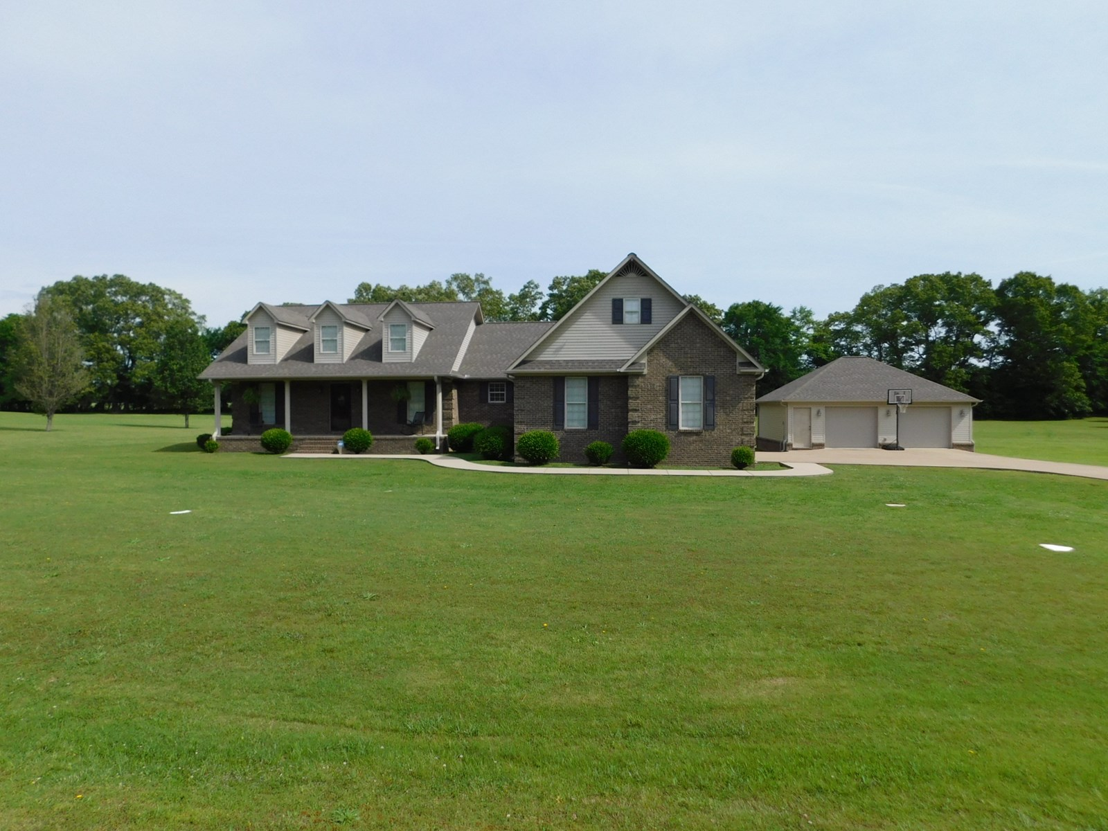 4 BEDROOM HOME FOR SALE WITH POOL & SHOP IN ADAMSVILLE, TN