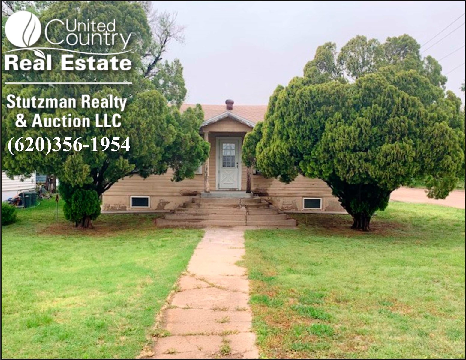CHARMING FOUR BEDROOM HOME IN JOHNSON CITY, KANSAS