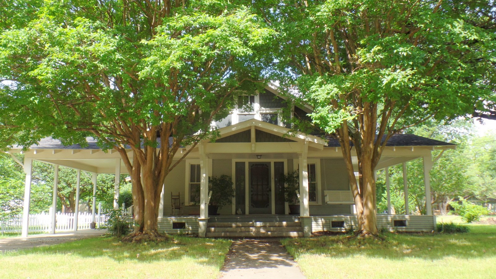MOVE-IN READY 1930's UPDATED HOME QUITMAN, TEXAS EAST OF DFW