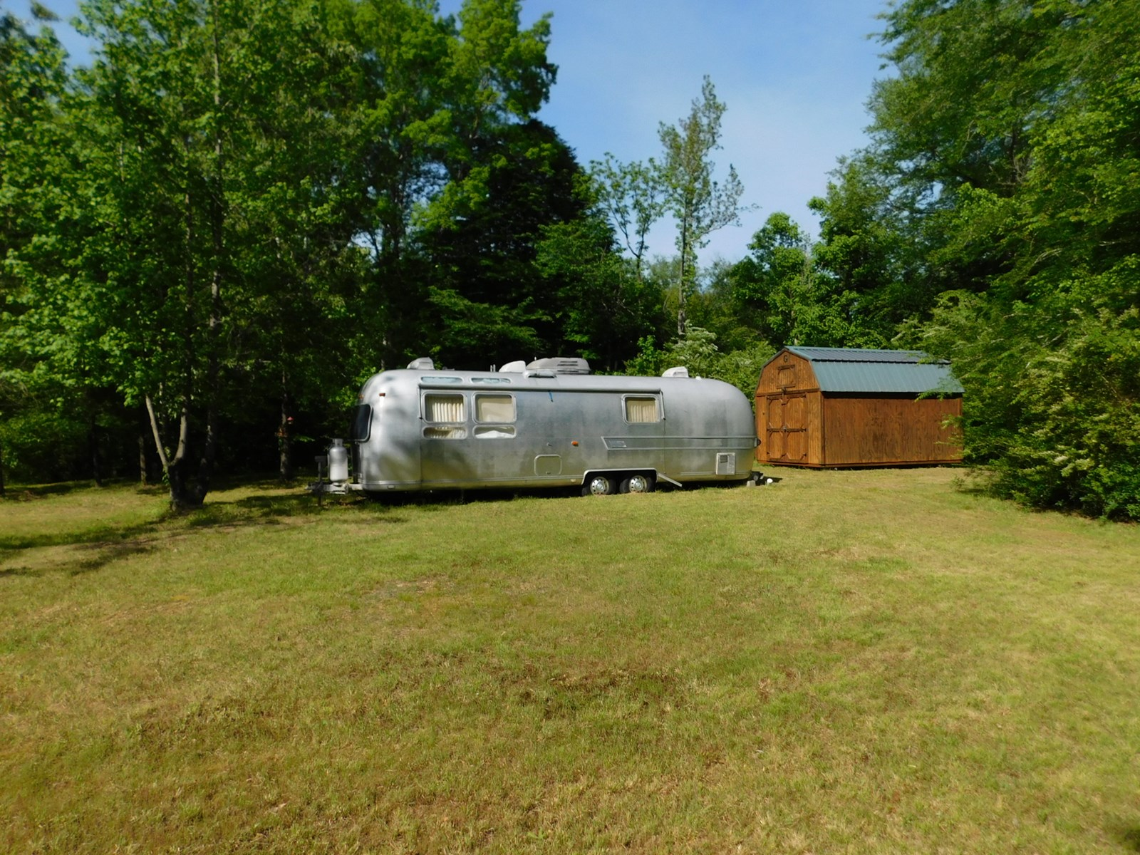 LAND FOR SALE IN TN NO RESTRICTIONS CREEK CAMPER & UTILITIES