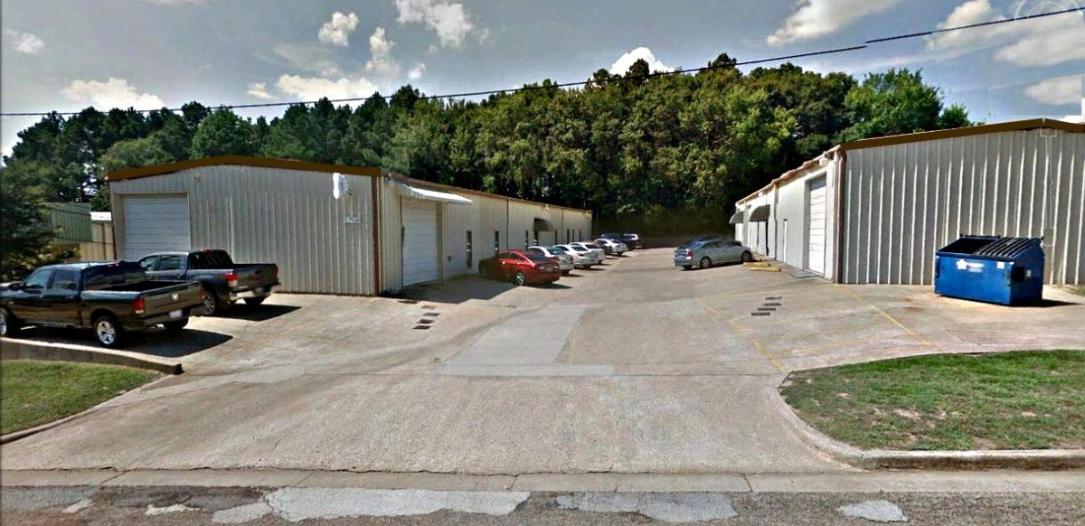WAREHOUSE FOR SALE OR LEASE IN TYLER OFF HWY 155