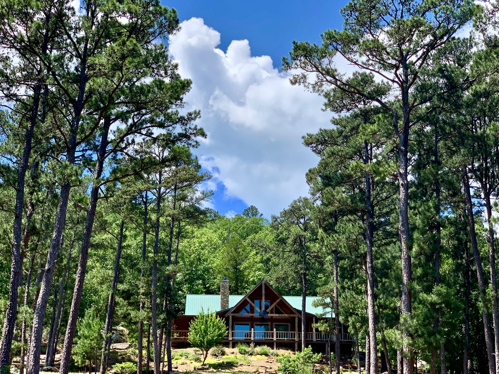 Lakeview Log Home For Sale on Sardis Lake, Clayton Oklahoma