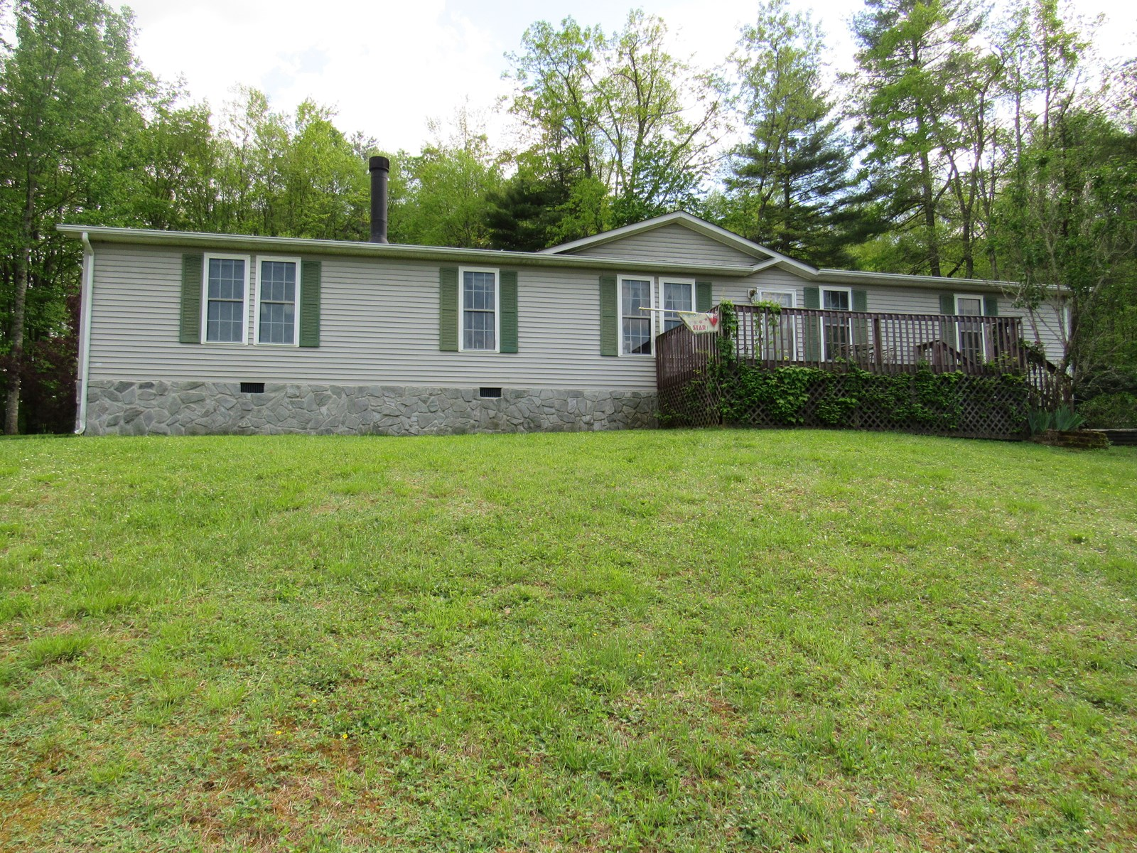Beautiful Single Level Home for Sale in Willis VA