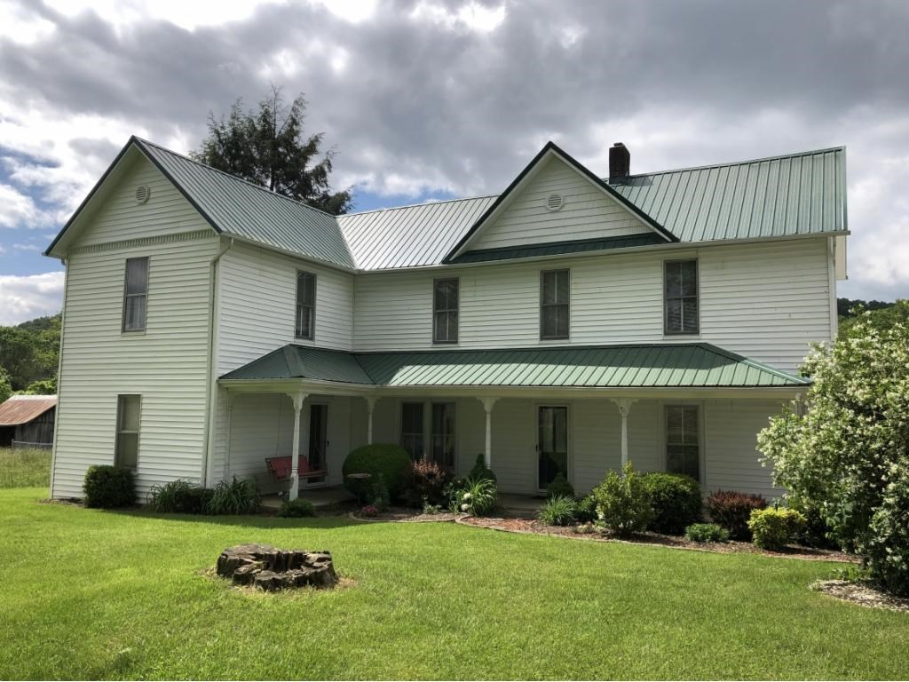 Charming Farmhouse With Historic Characteristics For Sale
