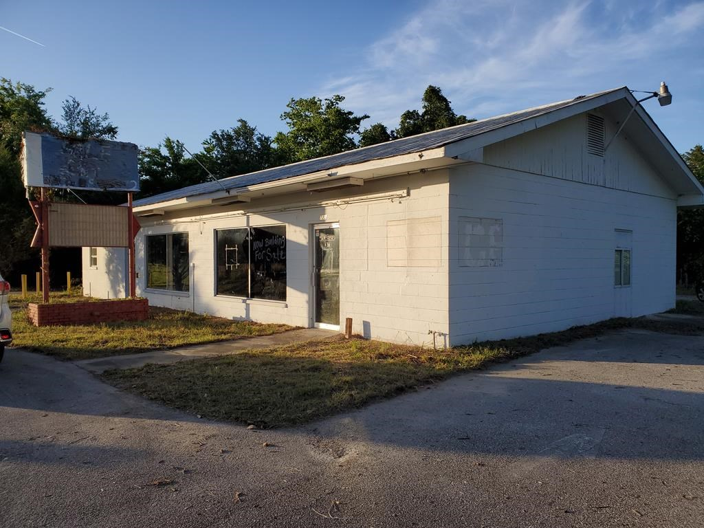 City Limits Commercial Building Chiefland, FL Levy County