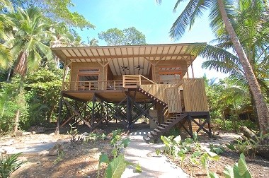 Titled Beach House, Oceanfront WOW Bastimentos, Panama