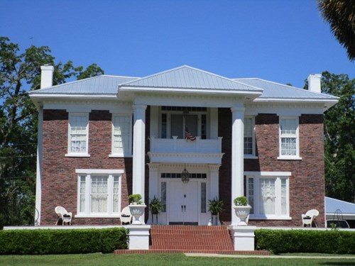 Amazing historical home in Greenwood FL on over 16 acres