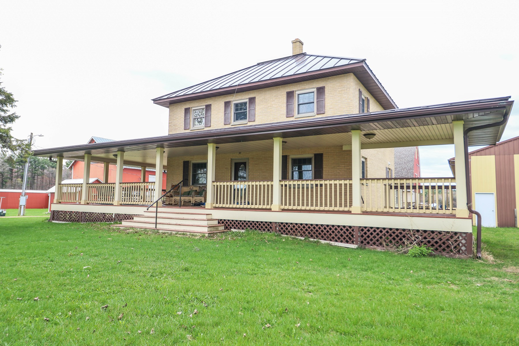 Gorgeous Country Home for Sale in Iola, WI