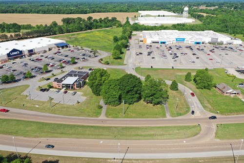 COMMERCIAL BUILDING LOT FOR SALE IN FRONT OF WAL-MART ON HWY